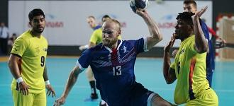 Great Britain claim last semi-final spot