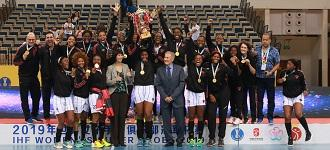 Powerful Luanda claim 1st Women's Super Globe title
