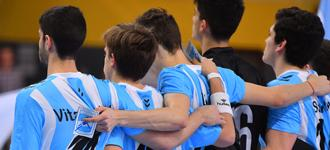Argentina and hosts looking for eighth-finals upset