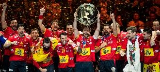 Spain take second straight European title