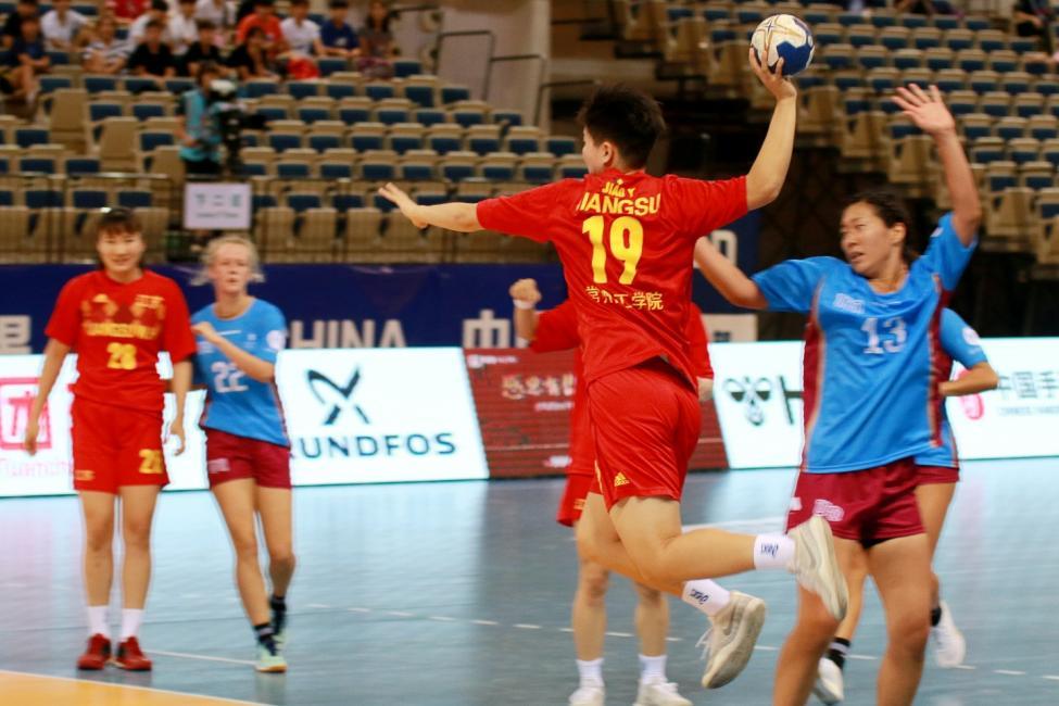 Jiangsu Team vs University of Queensland