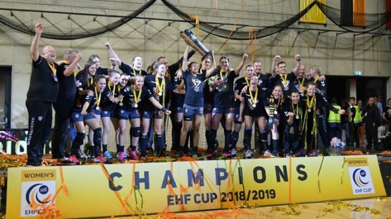 wins womens team title - 960×640
